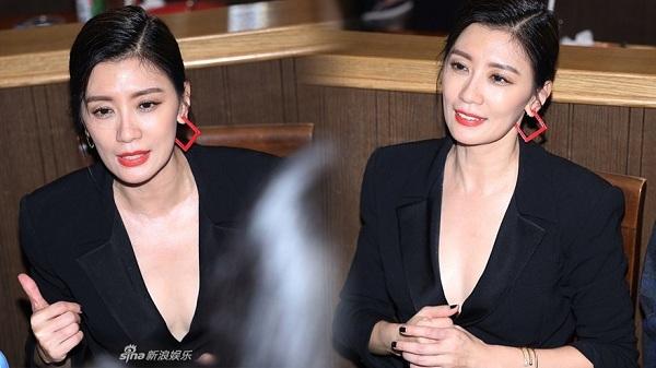 Châu Kiệt Luân đi xe sang cùng vợ đi ăn quán bình dân