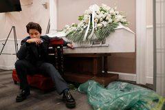 Nỗi đau tận cùng của nữ nhân viên nhà tang lễ tại tâm dịch Mỹ