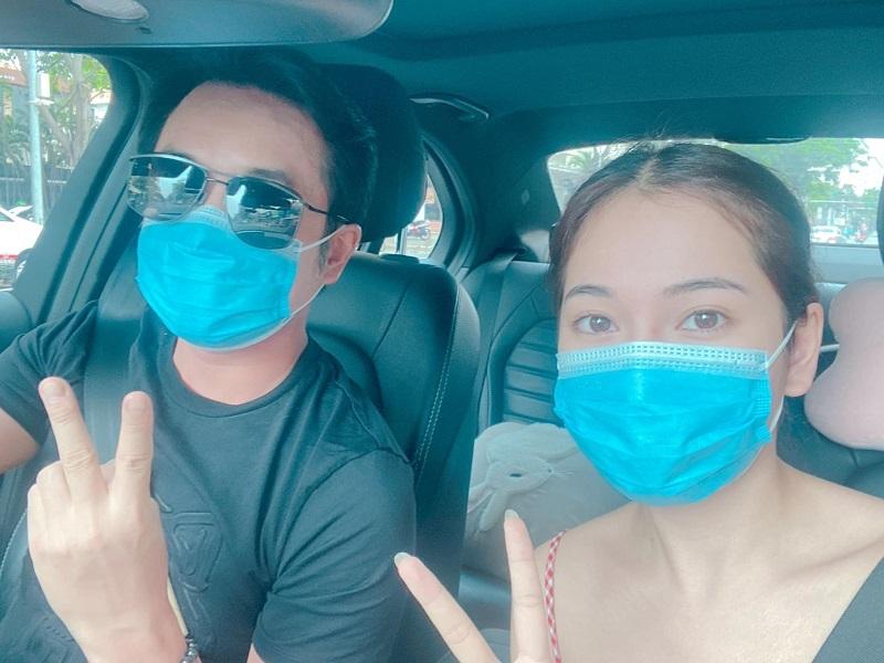 Dương Khắc Linh 'quên' vợ kém 13 tuổi khi đi siêu thị