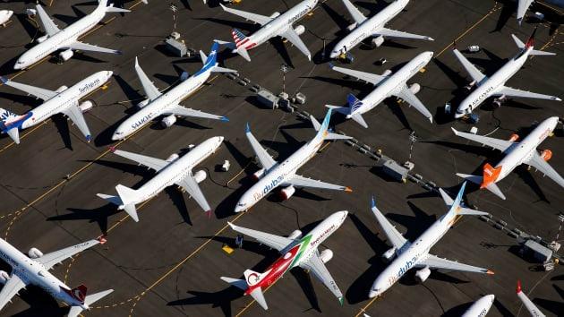 Ngắc ngoải vì dịch Covid-19, Boeing và Airbus dính thêm đòn giá dầu