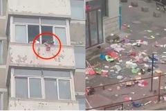 Cặp vợ chồng TQ cãi nhau, khu chung cư hứng mưa đồ đạc từ tầng 7
