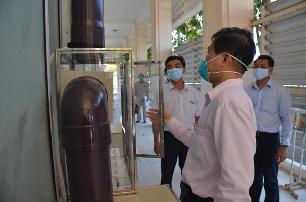 Tổng Công ty Phát điện 3 tặng Y tế Bình Thuận phòng cách ly âm