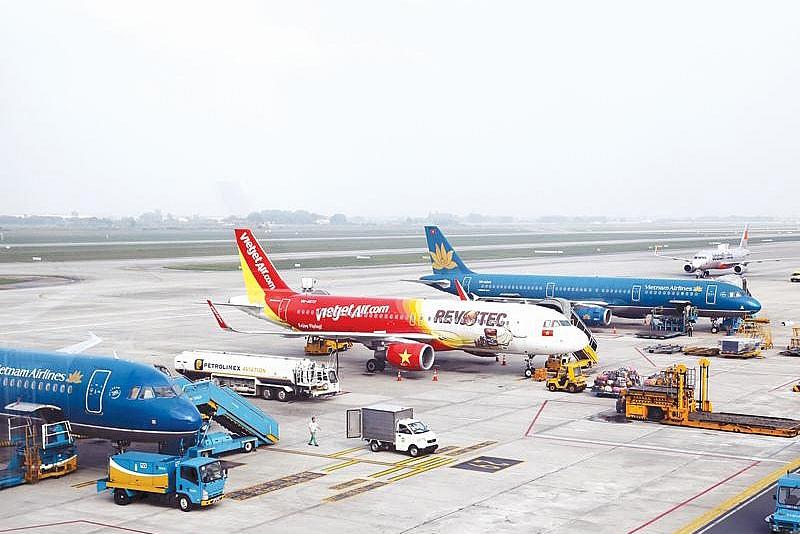 Nới cách ly, các hãng bay trong nước đồng loạt tăng chuyến