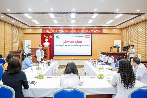 Huggies Việt Nam tặng quà cho 40 bệnh viện phụ sản