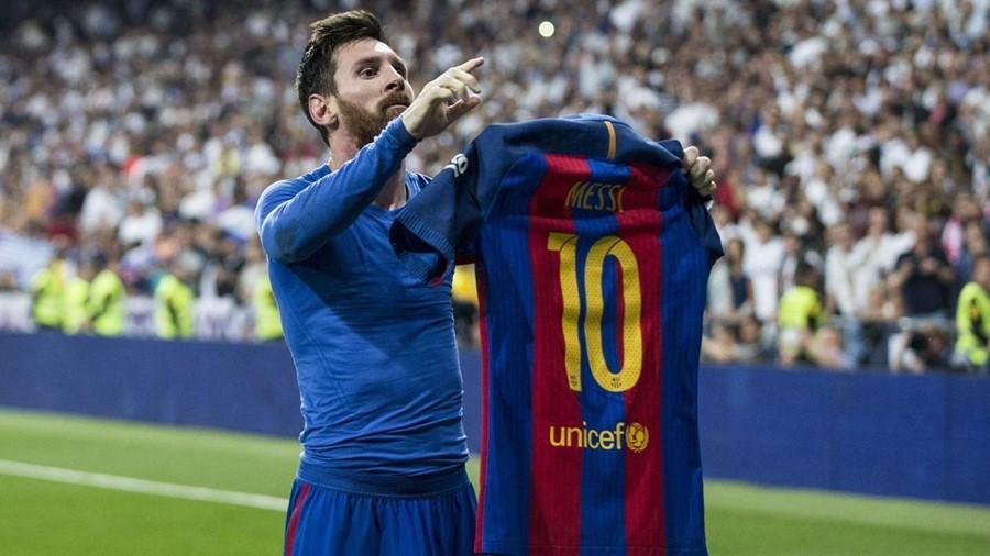 Ngày này năm xưa: Siêu Messi 'đánh sập' pháo đài Bernabeu