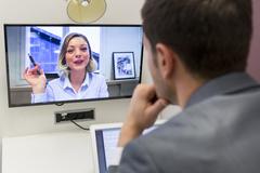 Cách đổi hình nền khi gọi video trên Skype