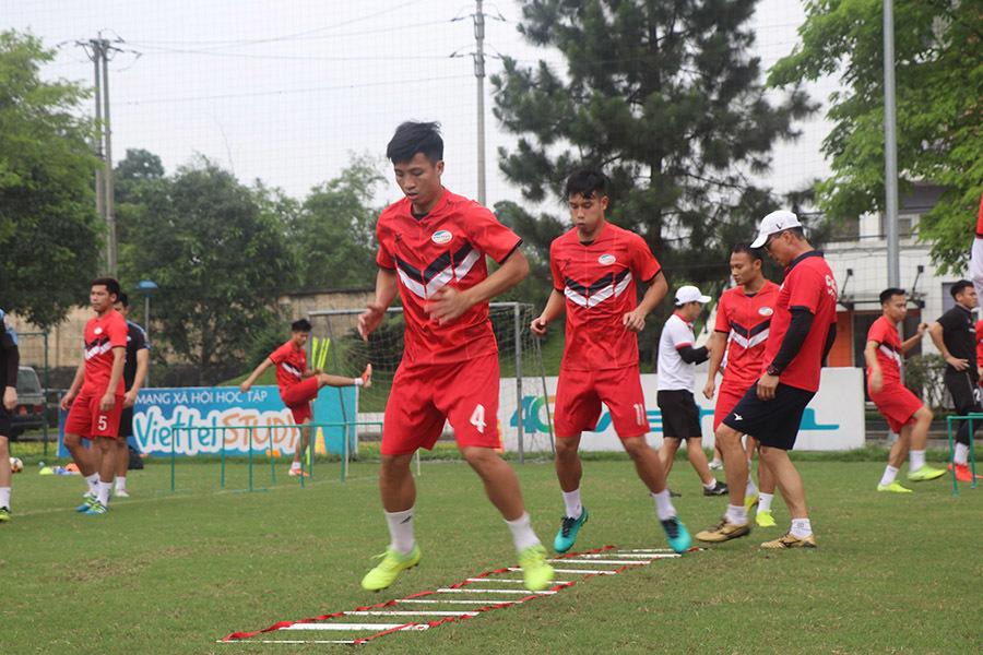 V-League trở lại sớm, các đội rục rịch tập luyện