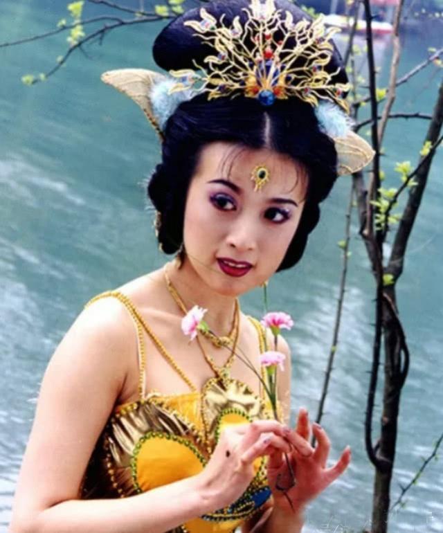 Cuộc sống giàu có, quyền lực của 'công chúa đẹp nhất Tây Du Ký'