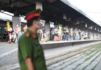 Vướng 'nút thắt' khi đưa người dân từ TP.HCM về quê bằng tàu hỏa