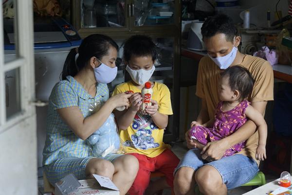 NutiFood cùng chương trình '1 triệu ly sữa' đến với trẻ em nghèo