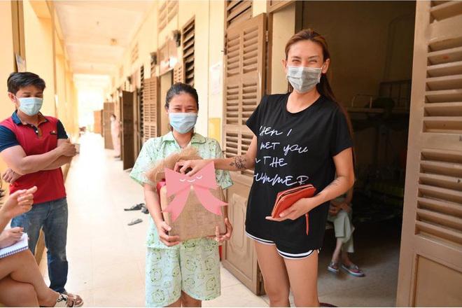 Sao Việt vui mừng vì nới cách ly xã hội, không quên ý thức phòng dịch