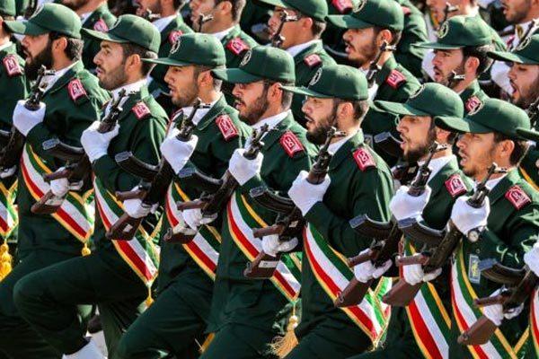 Ông Trump dọa giáng đòn trừng phạt, Iran lạnh lùng đáp trả