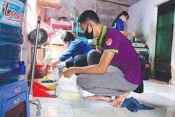 Youth volunteers join community work