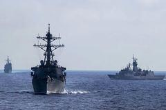 Tàu chiến Mỹ và Australia tập trận chung trên Biển Đông