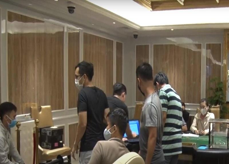 Nhóm người nước ngoài thuê resort ở Đà Nẵng để đánh bạc
