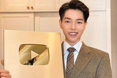 Đức Phúc nhận nút vàng YouTube