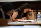 Trả 92.000 USD để du học Anh, nữ sinh hụt hẫng vì phải học online ở nhà