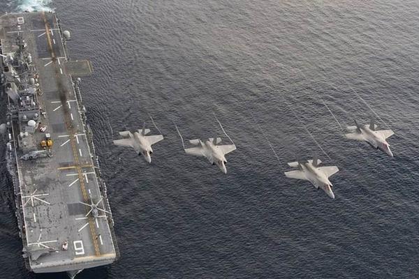 Uy lực đáng gờm của hai tàu chiến Mỹ vừa triển khai ở Biển Đông