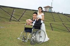 Cô gái và chồng cụt hai chân đón con đầu lòng sau 3 năm kết hôn