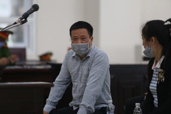 Giúp sức Hà Văn Thắm, người đẹp Oceanbank 2 lần phải hầu tòa