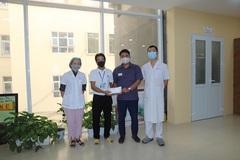 Trao hơn 107 triệu đồng đến anh Đoàn Văn Quang bị tai nạn giao thông