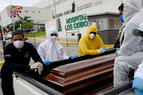 Bệnh nhân Covid-19 'sống lại' sau khi bị tuyên bố đã chết 3 tuần