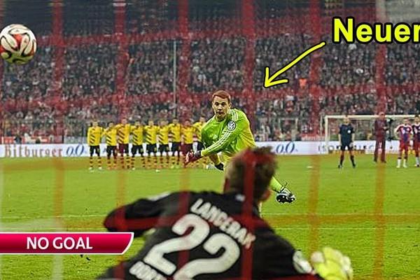 Neuer, Buffon và những thủ môn nhận cái kết đắng vì học đòi đá 11m