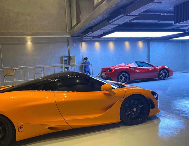 'Ngôi nhà hạnh phúc' trưng siêu xe của Cường Đô la