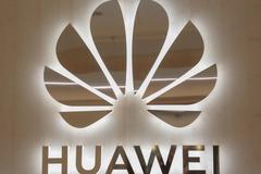 Huawei cần 300 năm để vượt Android, iOS
