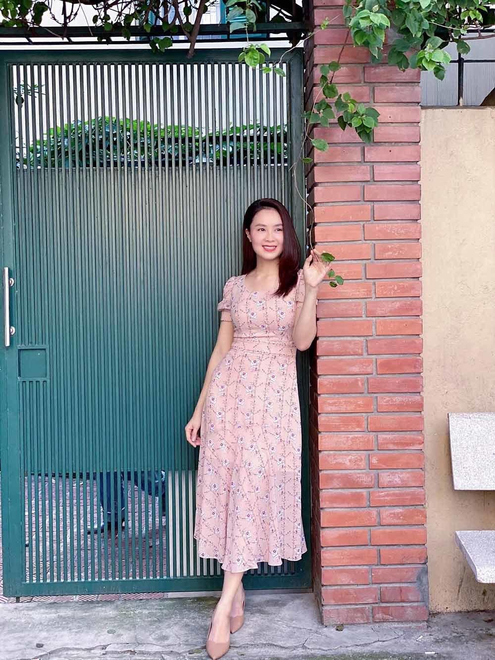 Hoa hậu Đặng Thu Thảo chăm chỉ vào bếp dù sắp đến ngày sinh con
