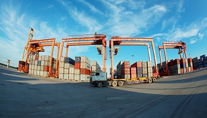 Truy tìm chủ nhân của lô ô tô mới bị 'bỏ quên' ở cảng Hải Phòng