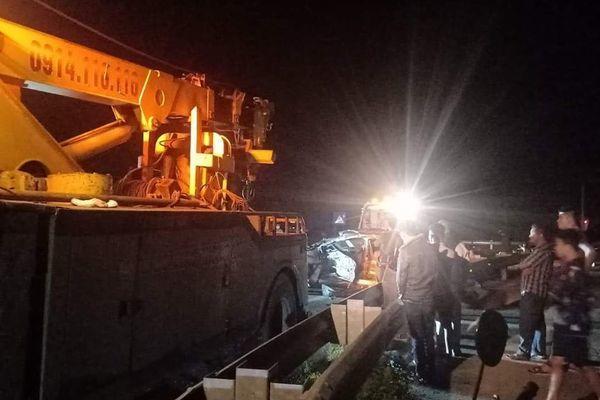Xe container đâm xe con, 1 quân nhân ở Thái Bình tử vong