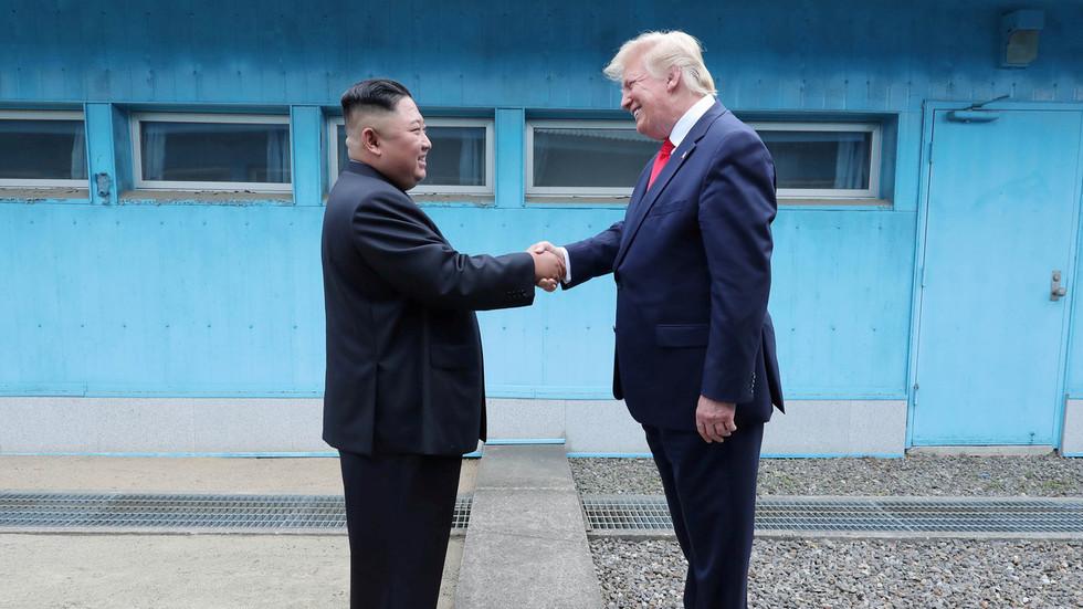 Ông Trump khẳng định 'biết rõ' tình trạng của Kim Jong Un