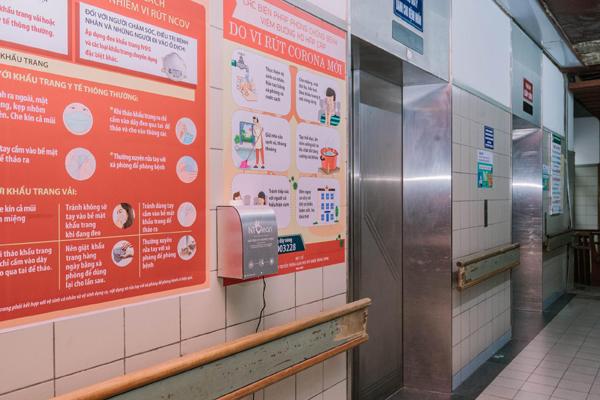20 máy rửa tay không chạm NTClean tiếp sức bệnh viện Bạch Mai