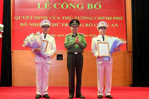 Hình ảnh Đại tướng Tô Lâm trao quyết định bổ nhiệm 2 Thứ trưởng Công an