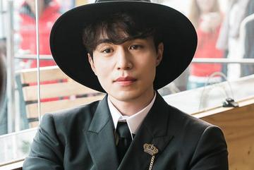 Lee Dong Wook, tài tử 'trẻ mãi không già' khiến triệu cô gái phát cuồng