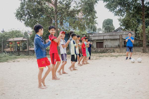 UEFA andBlue Dragon team up to helpstreet kids in Vietnam