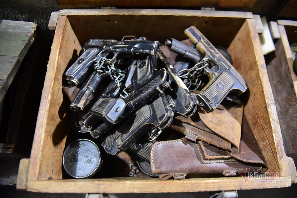 Hàng tấn vũ khí cất giấu trong hầm bí mật của biệt động Sài Gòn