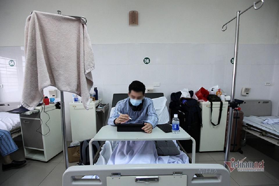 Cuộc sống trong phòng cách ly bệnh nhân Covid-19 sau khỏi bệnh