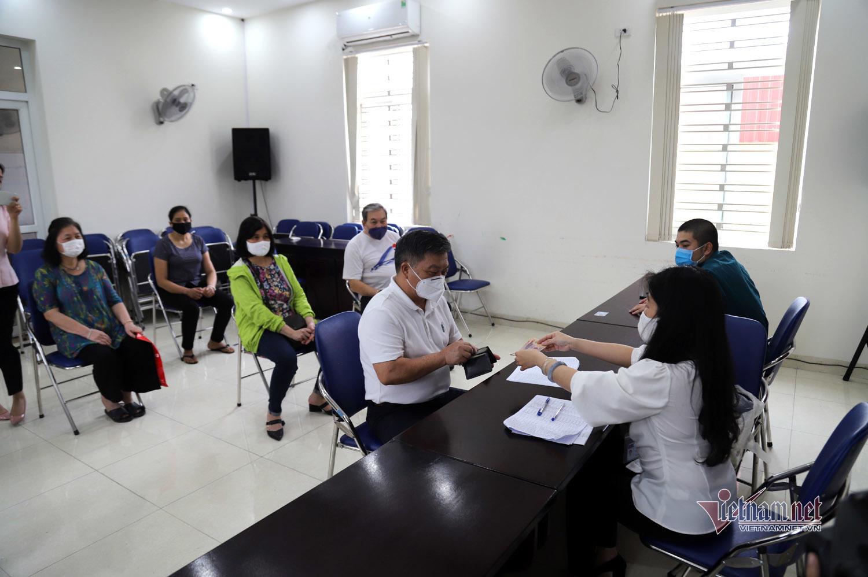 Nghỉ lễ, hàng trăm nghìn người Hà Nội nhận hỗ trợ từ gói 62.000 tỷ đồng