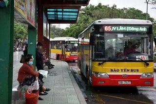 Hành khách đi xe buýt, taxi phải khai báo y tế điện tử bắt buộc