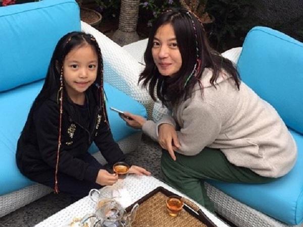 Những 'cậu ấm, cô chiêu' nổi tiếng từ nhỏ của dàn sao Hoa ngữ