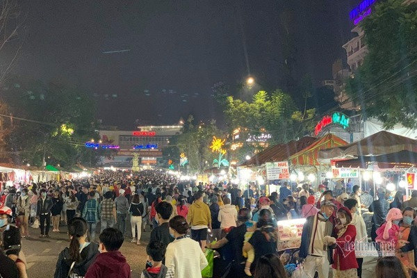 Nhiều địa phương ngừng bắn pháo hoa, dừng sự kiện văn hóa đông người