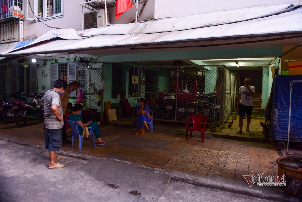 Bên trong chung cư Sài Gòn bị phong tỏa sau ca tái nhiễm Covid-19