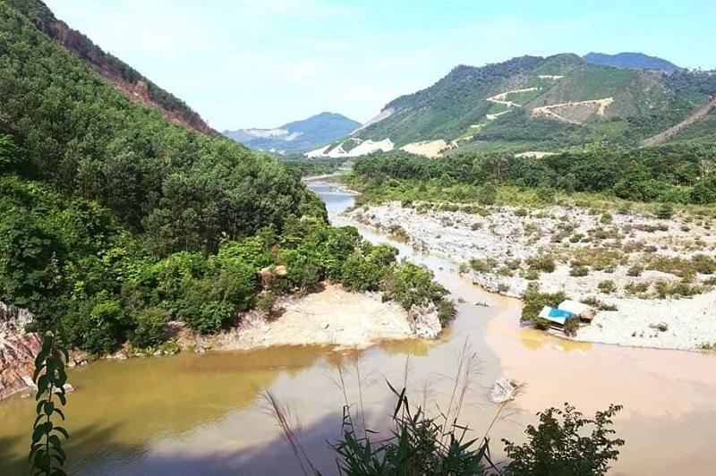 1 du khách tắm biển bị sóng cuốn, tử vong ở Quảng Ngãi