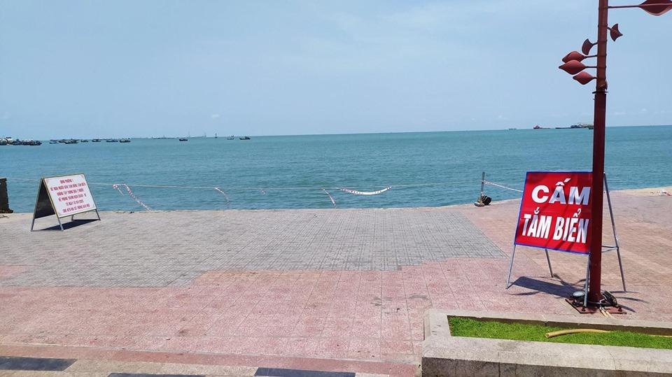 Ngược nhất nghỉ lễ: Biển Vũng Tàu không bóng người, Đà Lạt kẹt từ tinh mơ