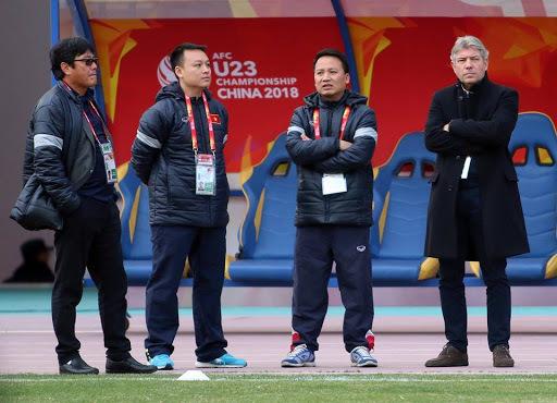 Bóng đá Việt Nam chia tay GĐKT Gede: Cờ đến tay thầy Park?