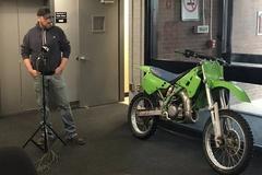 Cảnh sát trả lại môtô cho chủ cũ sau 28 năm bị đánh cắp