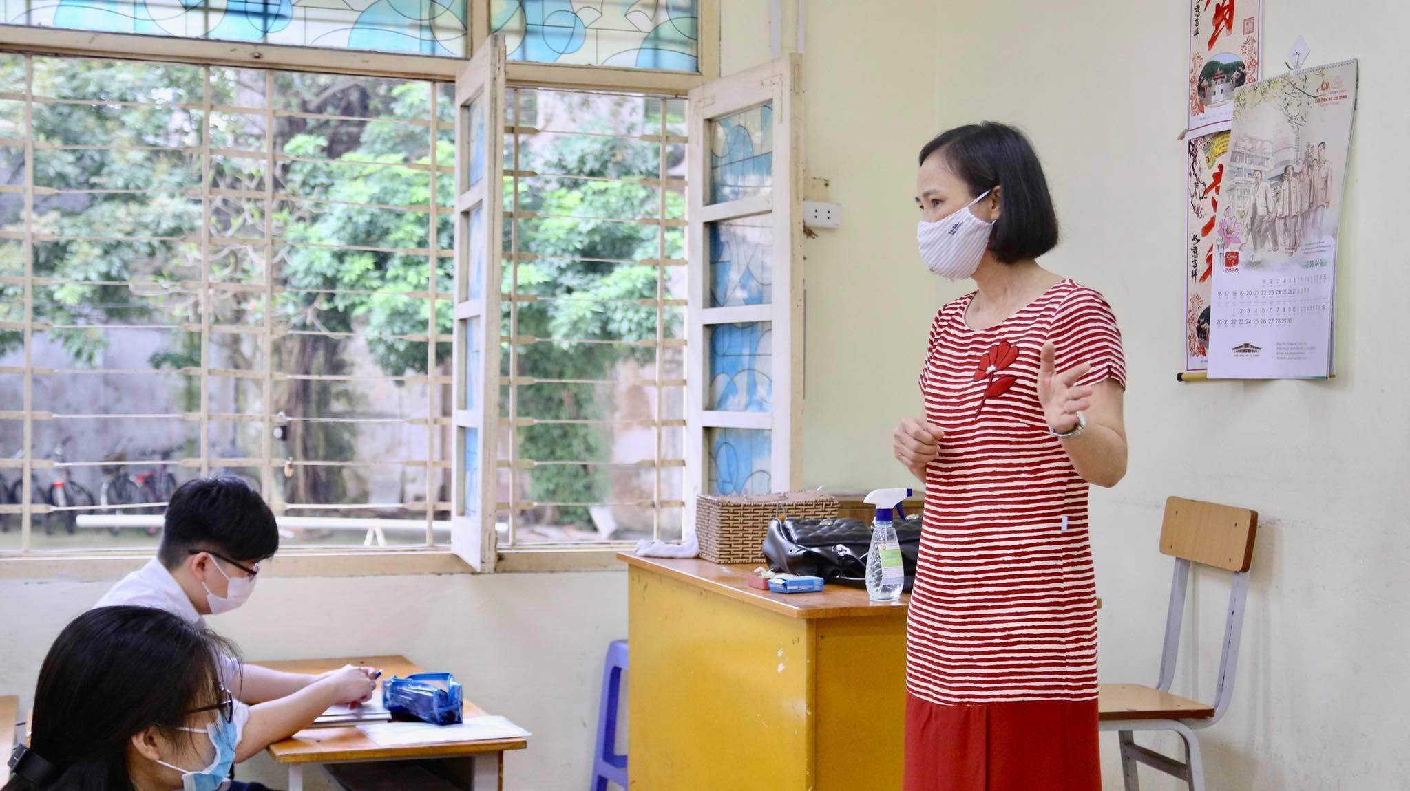 Lớp học không điều hoà, phụ huynh lo con 'nóng phát ốm'