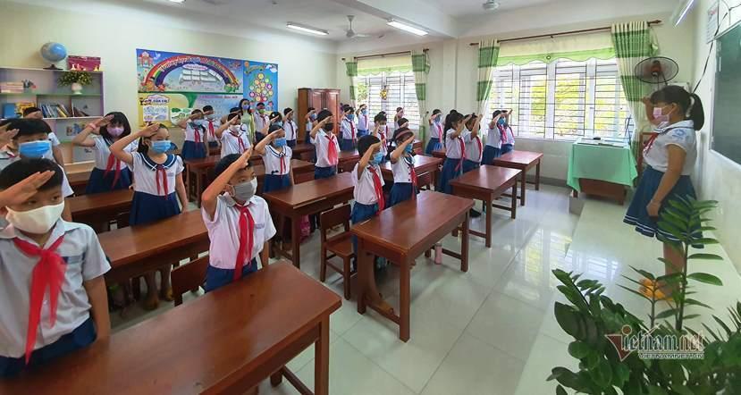 Những lễ chào cờ trong lớp học sau Covid-19